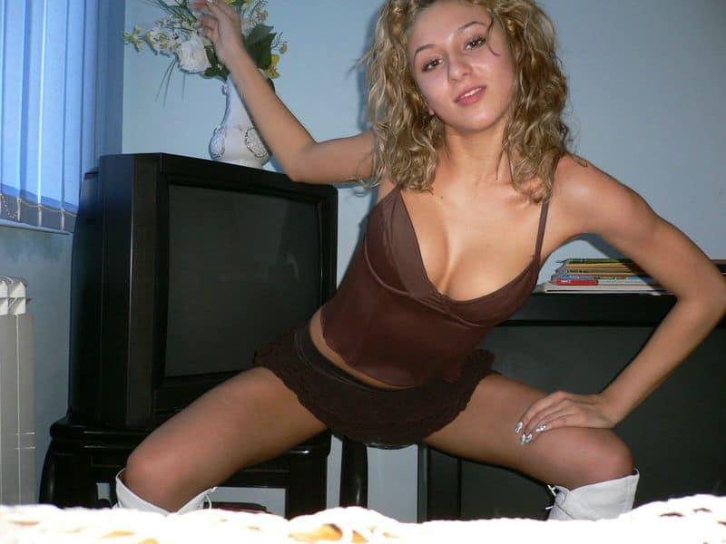 deutsche blondine sexy unterwäsche